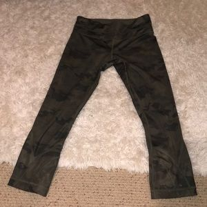 Lulu lemon capri leggings camo
